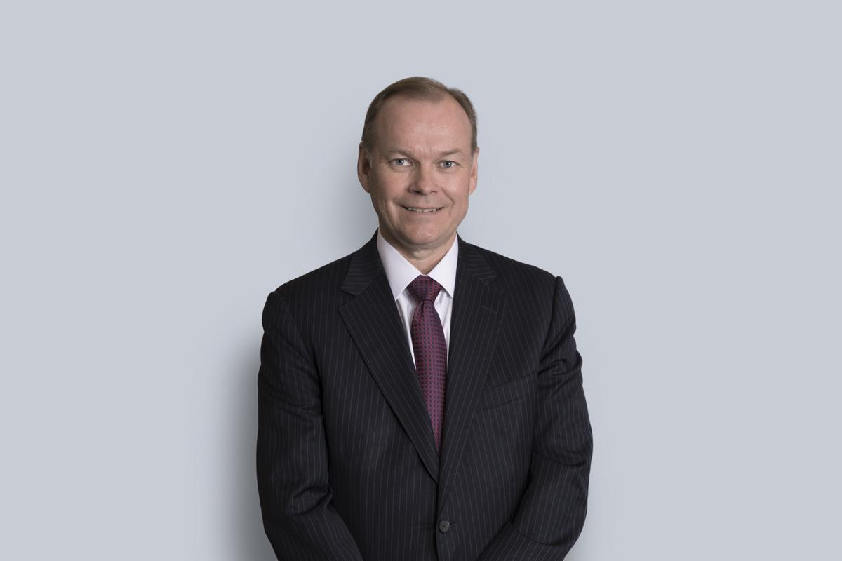 Portrait de E. Peter Auvinen